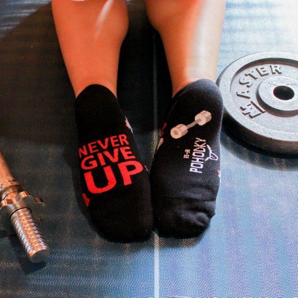Veselé kotníkové ponožky – Never give up