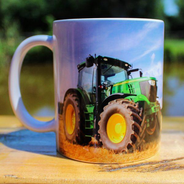 Hrnek - S traktorem